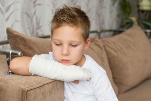 When should you see a doctor for your child's injury in sports?