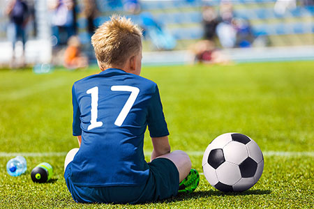 Does playing only one sport at a young age affect kids' mental health?