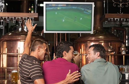 Sports fans can catch COVID-19 at crowded indoor bars